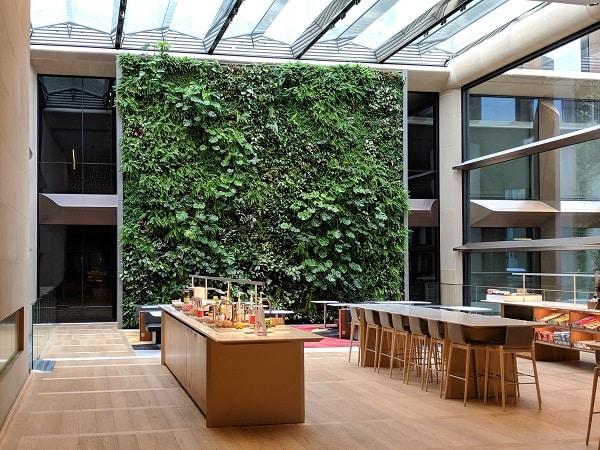 Ogród werykalny, Bloomberg, Londyn